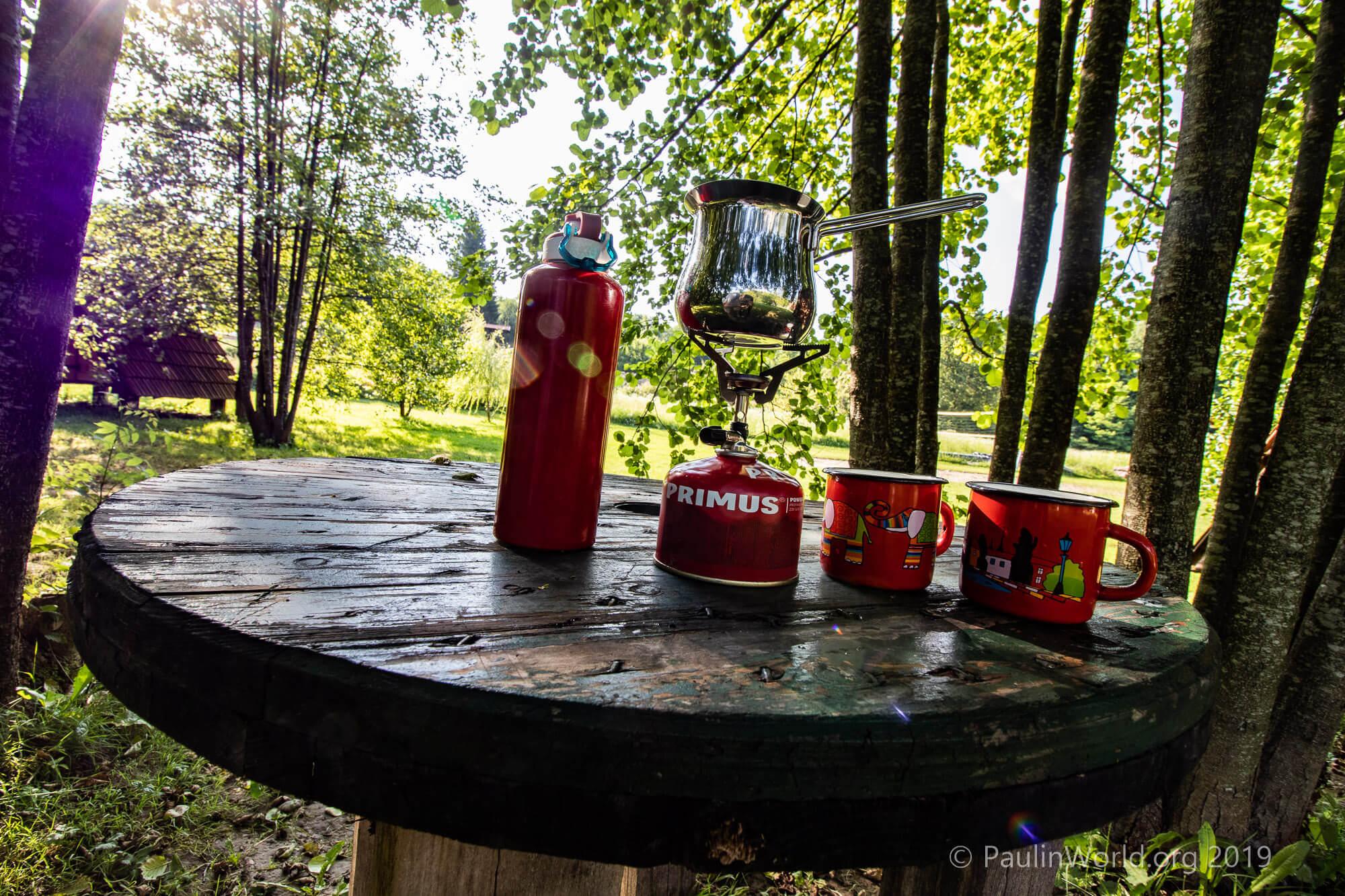 Bez kave nema sretnog kampiranja