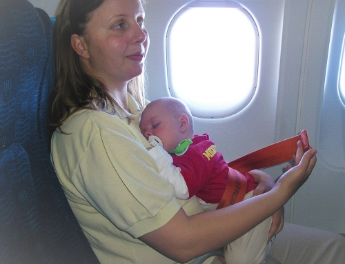 Travel tips & tricks for parents with babies and small kids